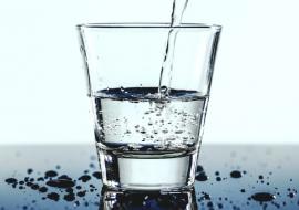 Сколько и чего попадает в наш организм с водой